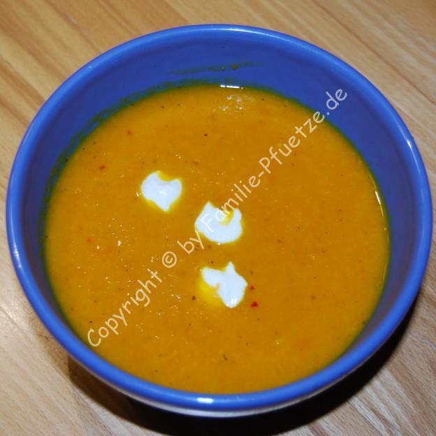 Kuerbis-Moehren-Suppe